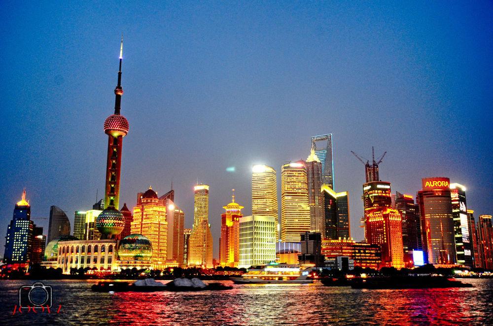 The Bund, Shanghai by JOOLZ