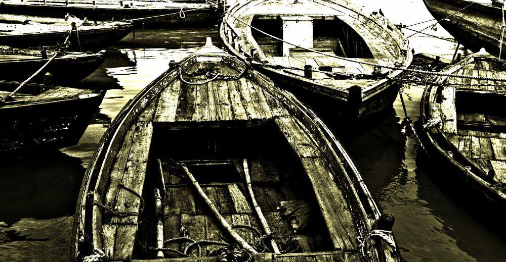 wooden boat by kabirghafari9