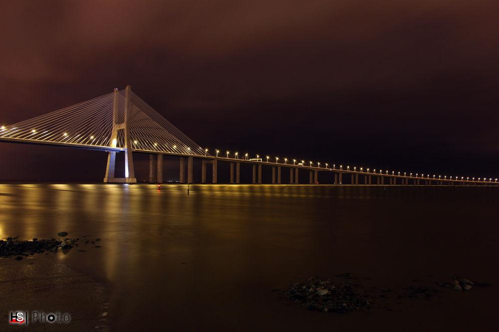 Ponte Vasco da Gama by hspublicidade
