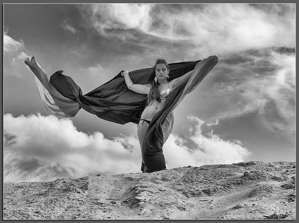 Photo in Random #sand #cloud #woman #girl #ypa2013