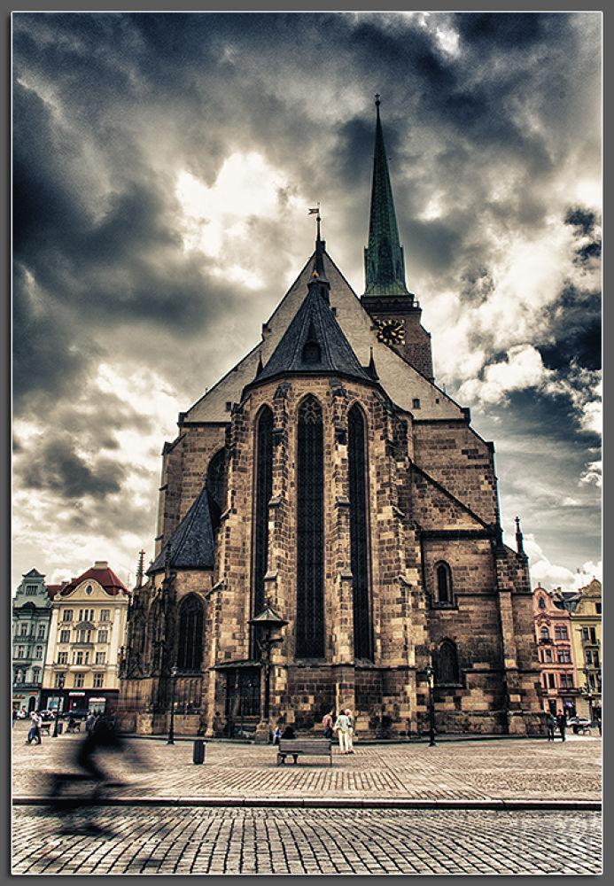 Pilsner church by RomanKrejcik.com