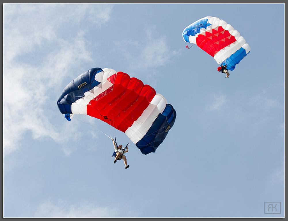 paratroopers by RomanKrejcik.com