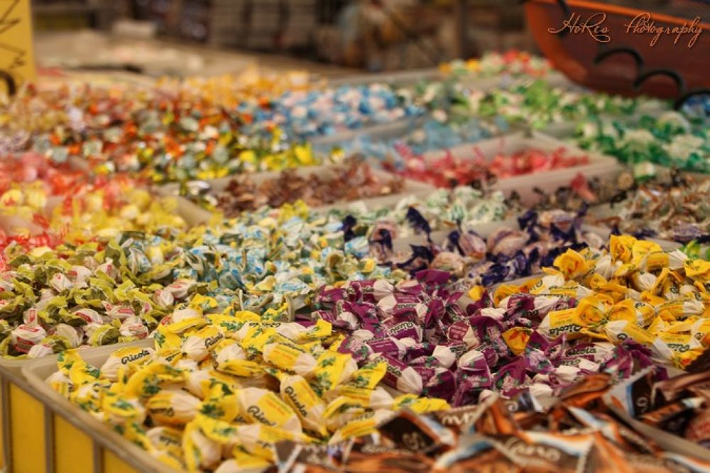 Candy on market by HoRes Photography