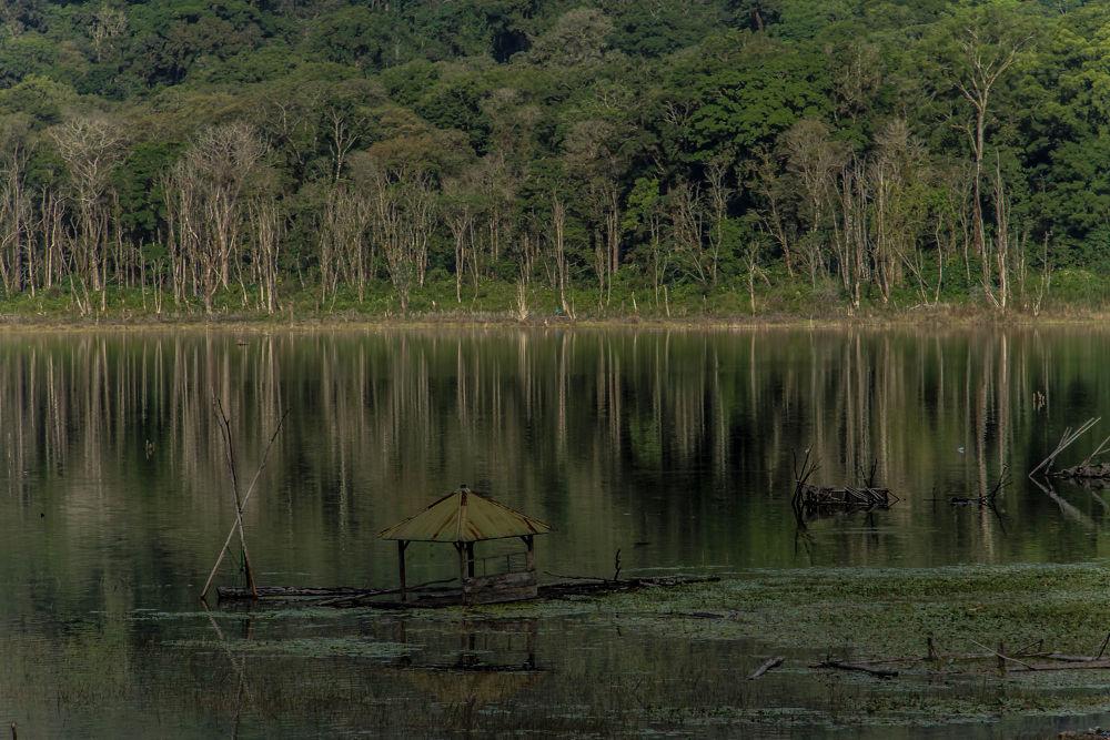 North  Bali Lake  by Dean Bali Photography