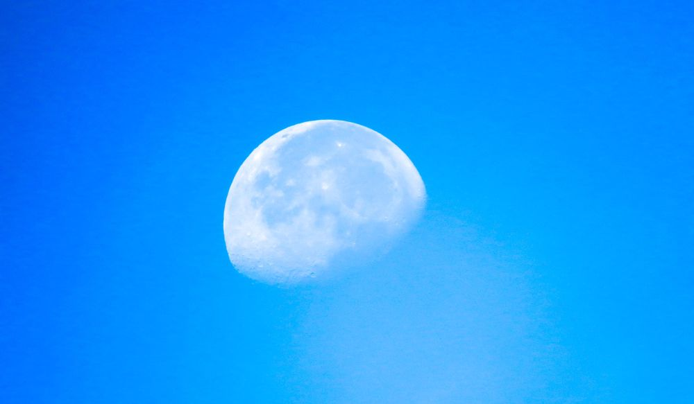 Morning Moon by ssmebd