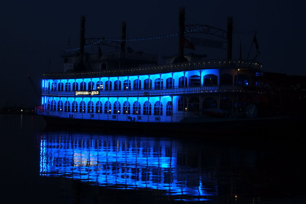 Photo in Vehicle #ypa2013 #steamboat #raddampfer #hamburg #blau #blue #wasser #water #night #nacht