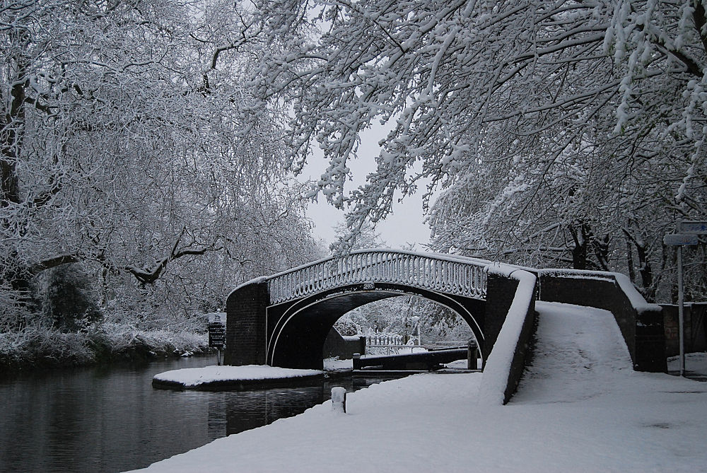 Winter on the Oxford Canal (Isis Lock,Jericho,Oxford) by Tony Steele