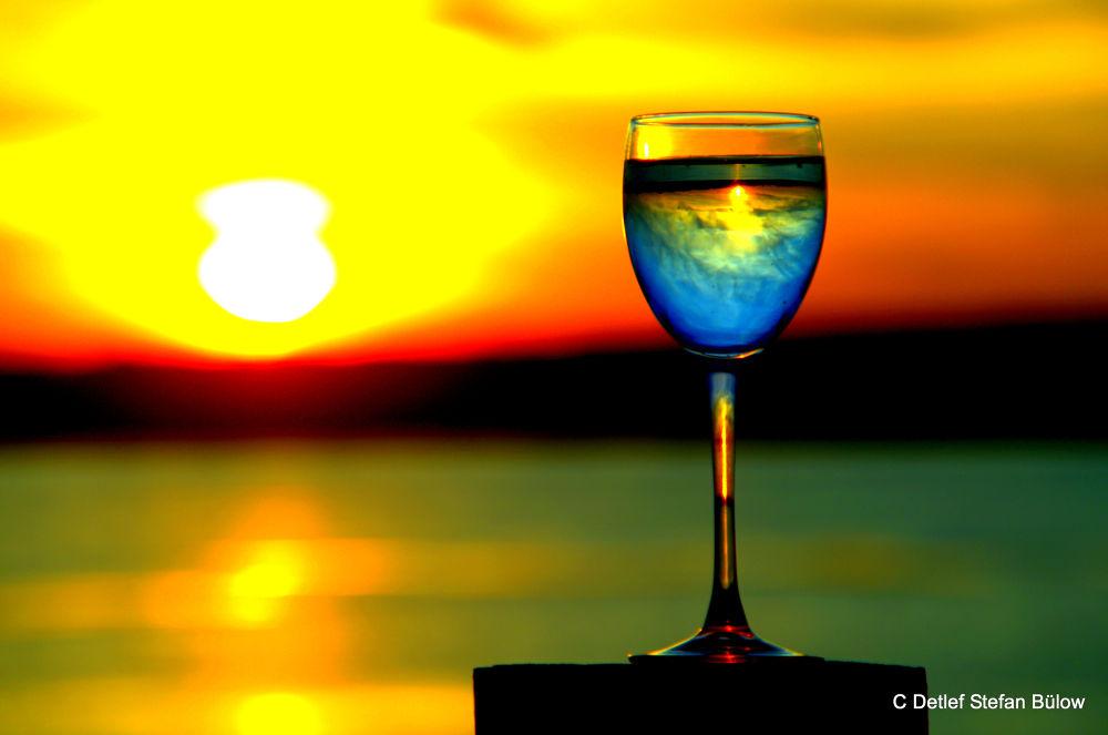 Ein letztes Glas im stehen by detlefbuelow