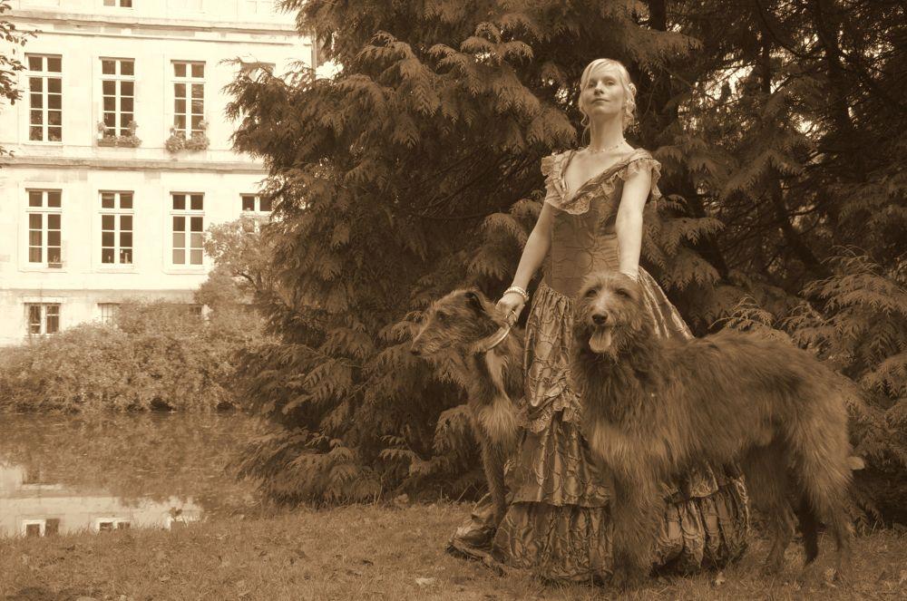 Die Gräfin mit Hund by detlefbuelow