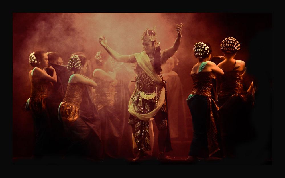 Wayang Orang Bharata ..... Indonesia by Djajusman
