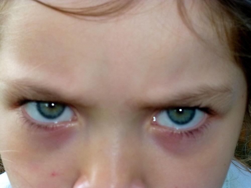 ojos de enojo by marisabelcaferri