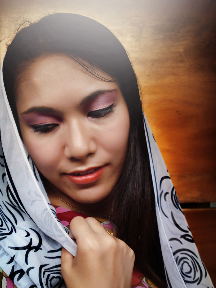 Fashion Portrait by NiponUngsriprasert