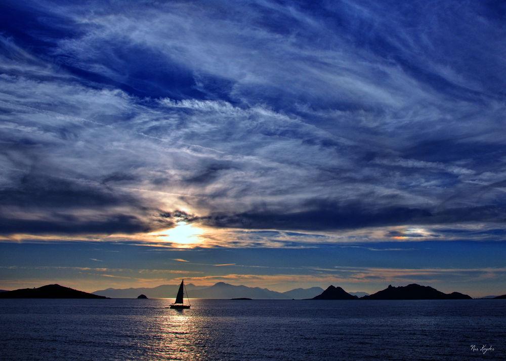 Blue horizon by  Nur Keyder