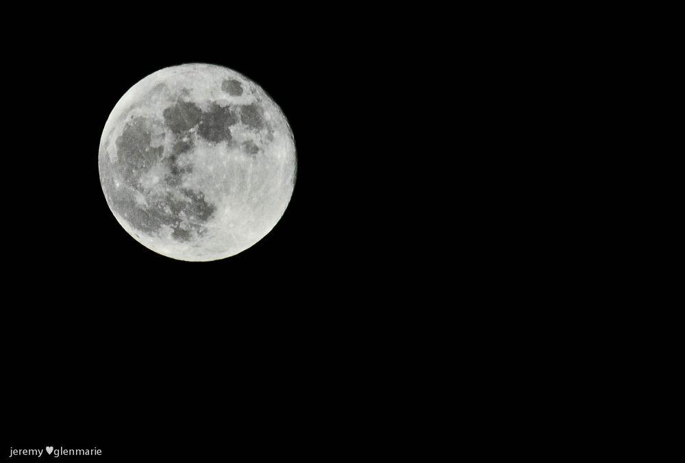 moon for tonight by Acquiro Fotografia