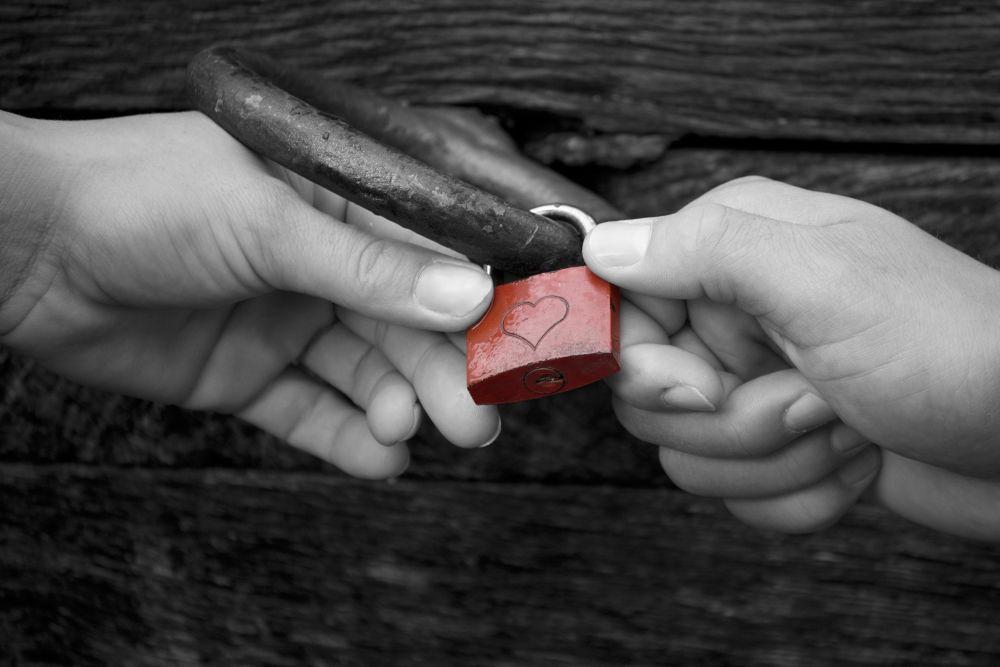 Love  is what u need by OliverSchillerFotografie