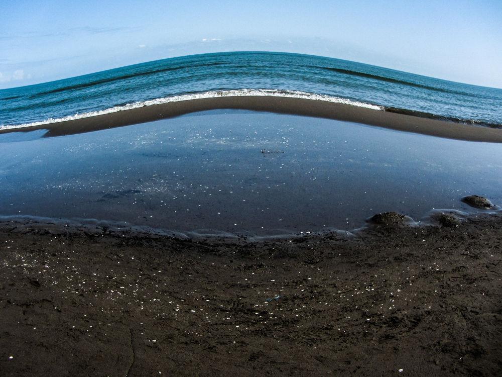 Sea by Mina
