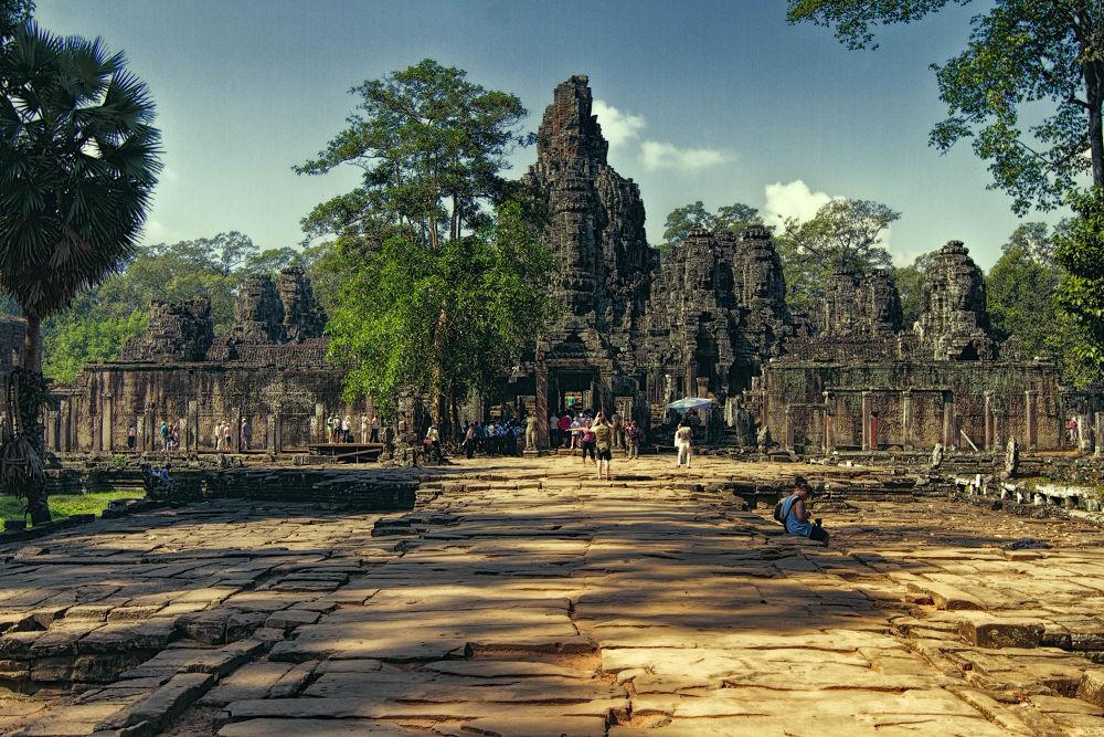 Temple in Angkor Wat aria by Faroe Islands Hiking
