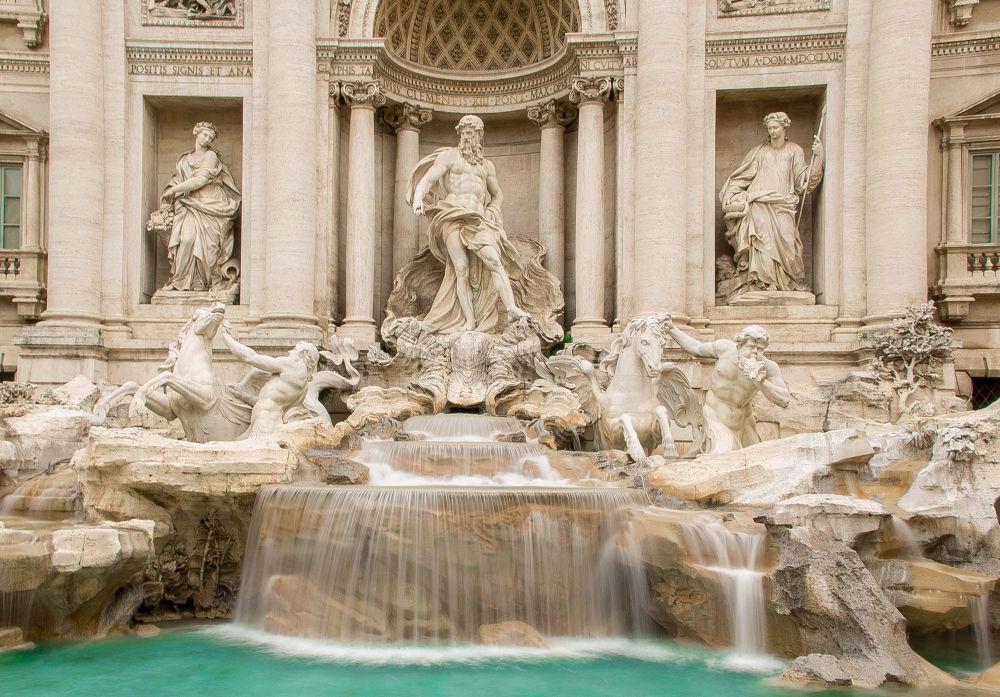 fontana di trevi by maki li limos