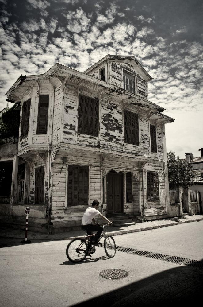 old house by giannousisVasilios