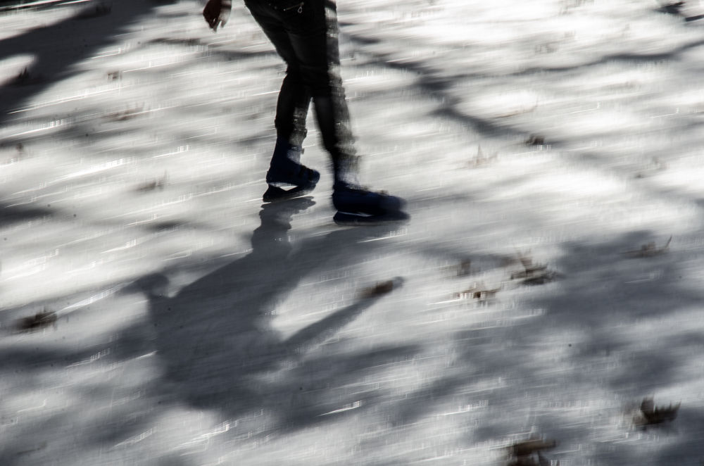 ice skating2 by giannousisVasilios