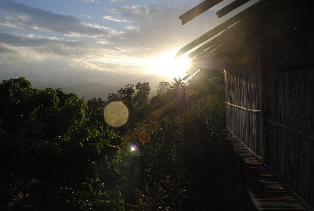 Uphill Sunset by PhotoDjo