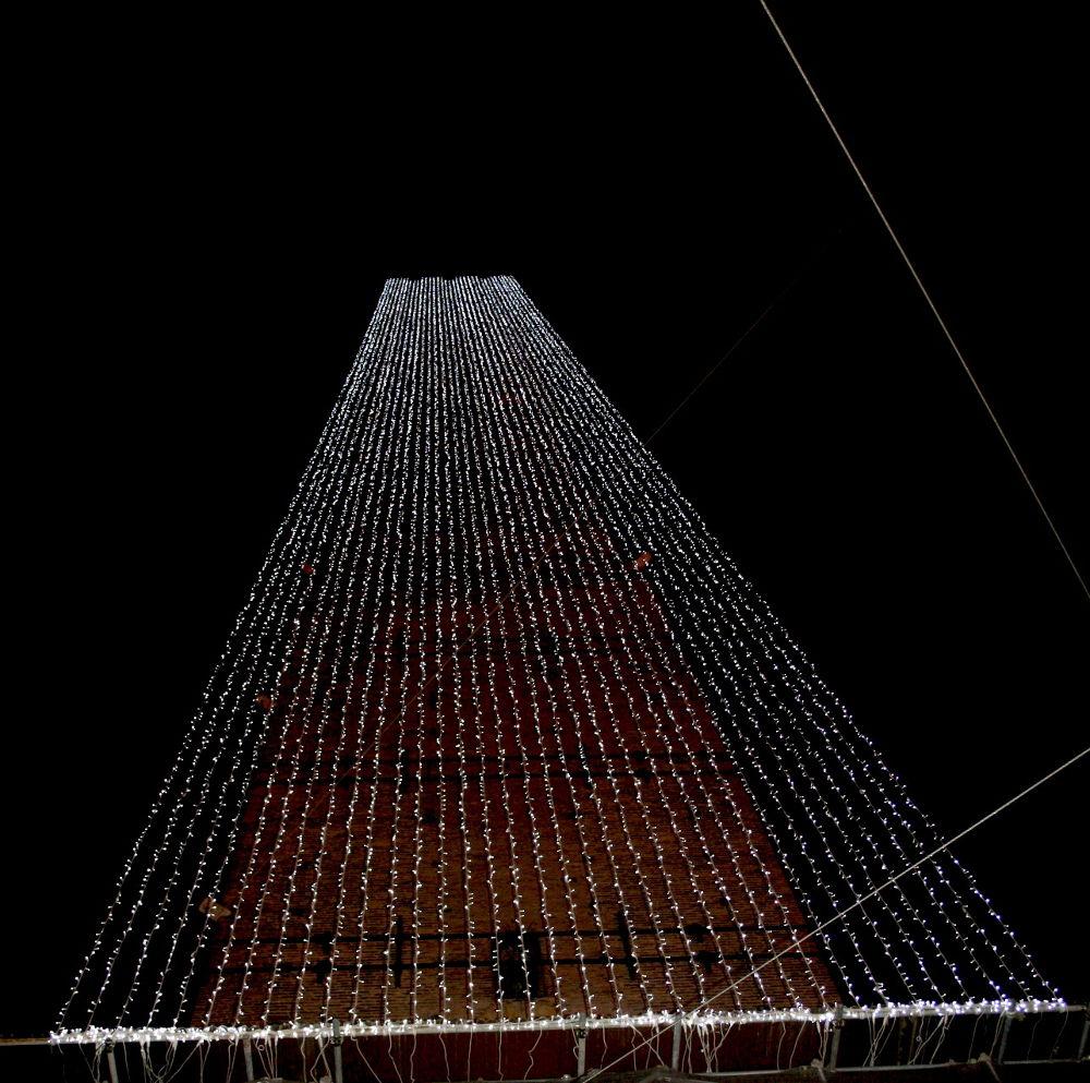 torre degli Asinelli illuminata by marionapoletti49