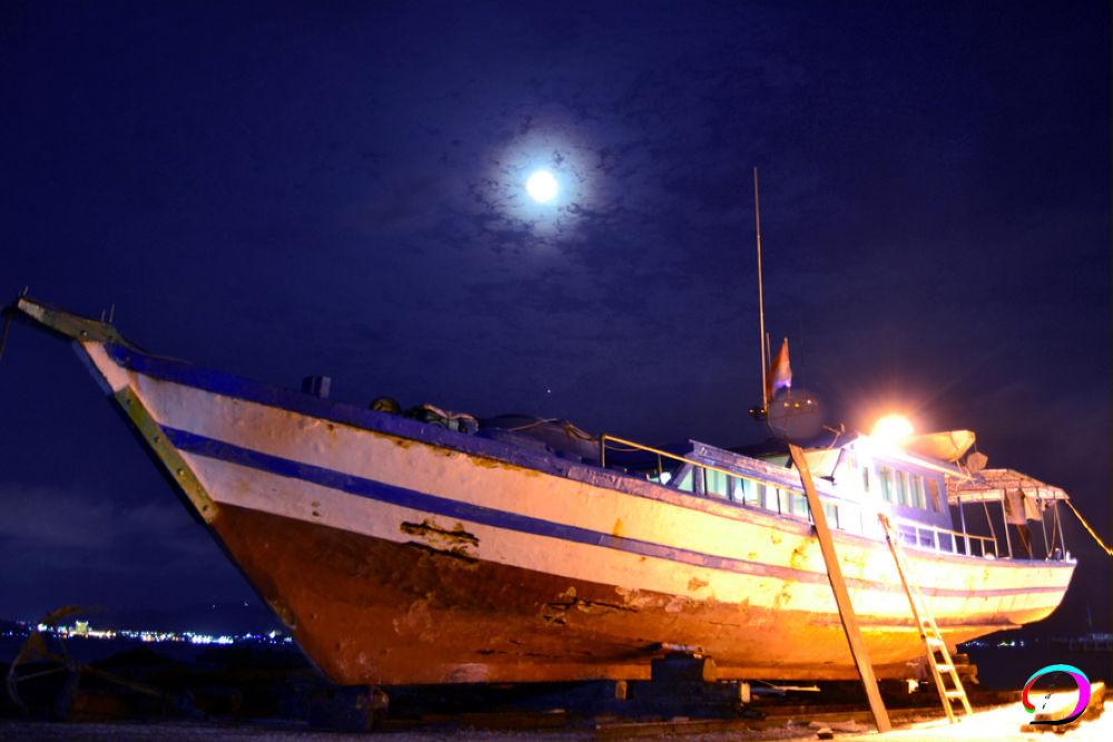 fishing boats by yuradeztira