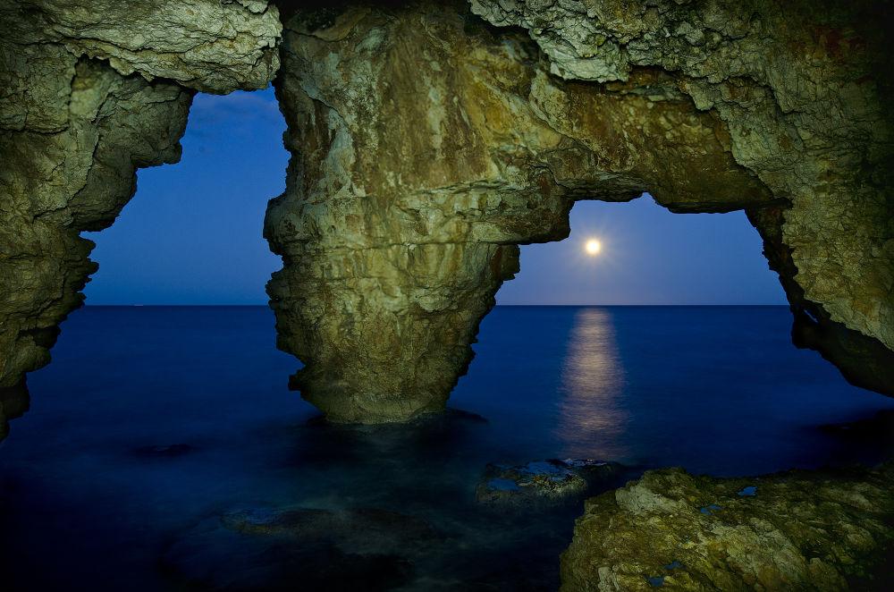Cueva lo Moraig by Pedro Llopis