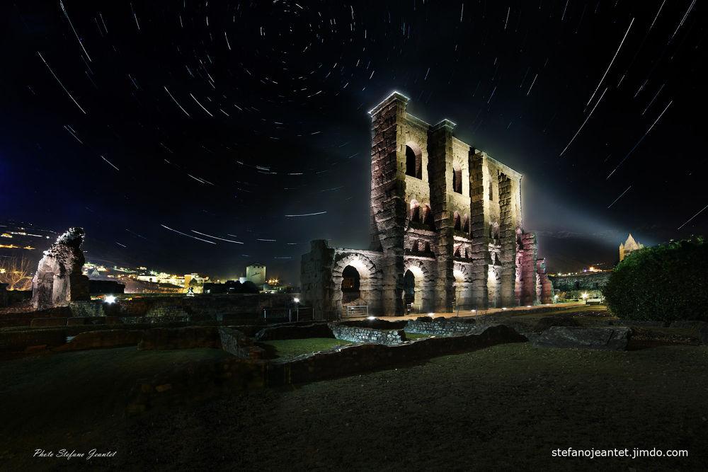 Startrails teatro romano ad Aosta by Stefano Jeantet