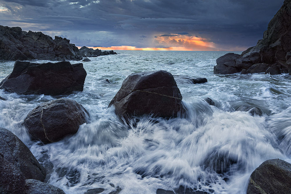 Sunrise Seascape in center of Storm by antonioaleo