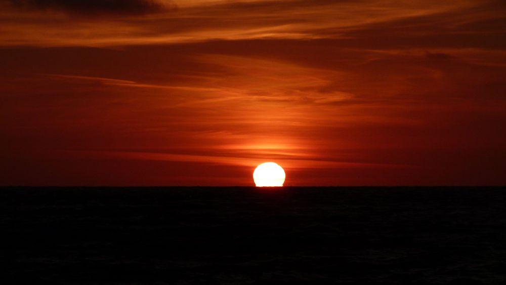 Sunset @ Etretat by Henk de Groot