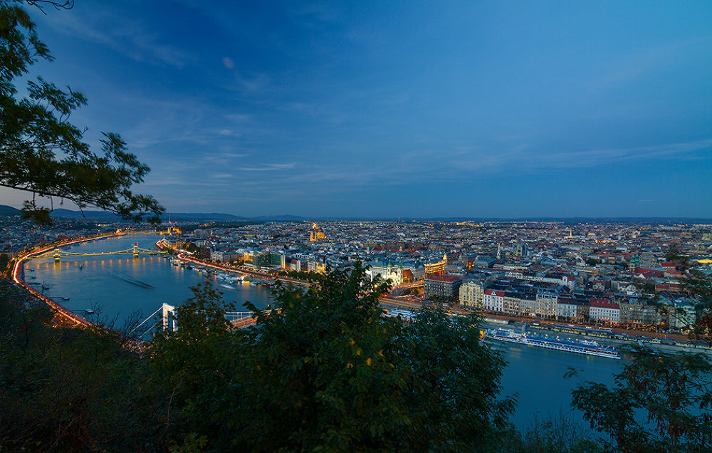 Blue_hour_in_Budapest by Tamás Szabó