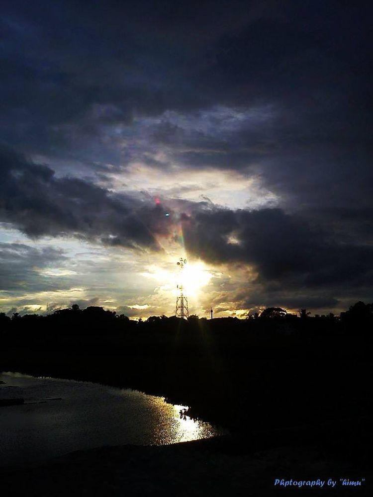 Beautiful sun sate...... by Trishal