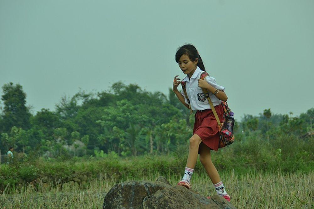 go to school by beckmalik5