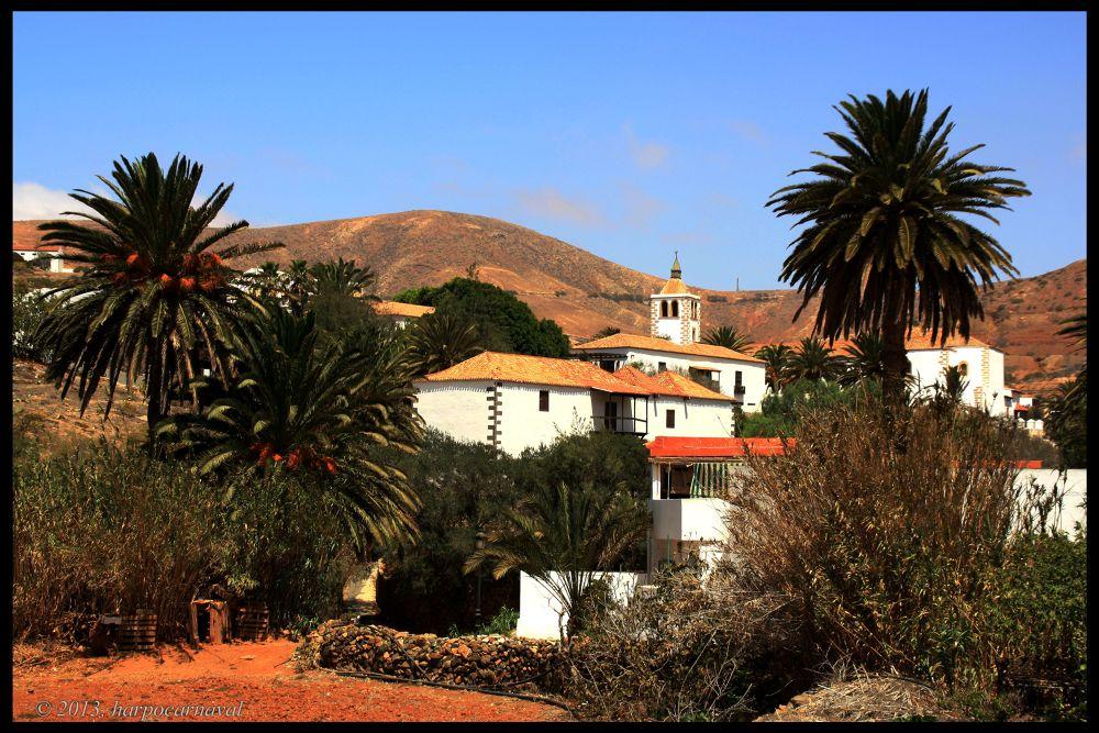 Bentacuria (Fuerteventura´s Village) by Harpocarnaval Photography