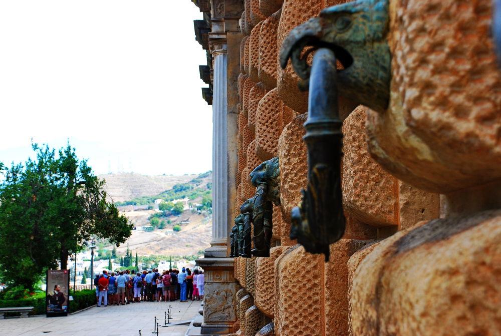 Alhambra (Granada) by Hector Lopez