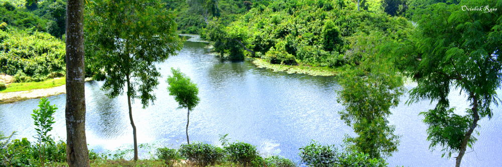 Madhobpur Lake. by Md. Shariful Islam