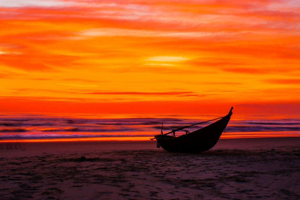 Dawn on the Tam Thanh beach. by tuyennguyen716195313