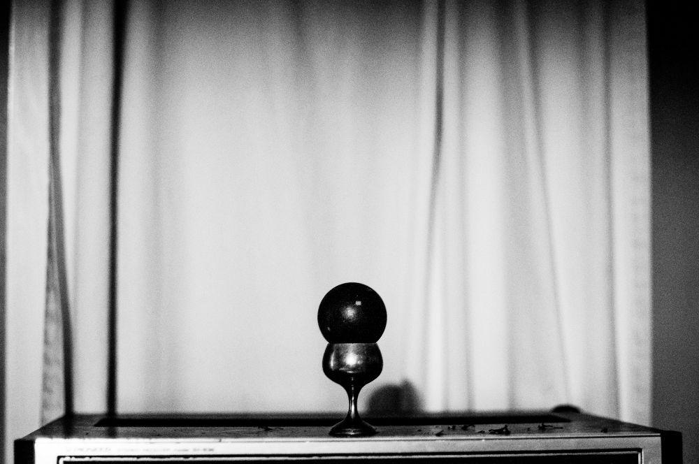 Lead ball by michaelbrausen