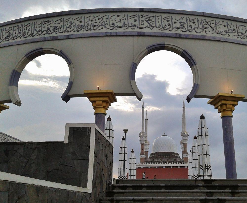 Masjid Agung Jawa Tengah by Iwan Setiawan