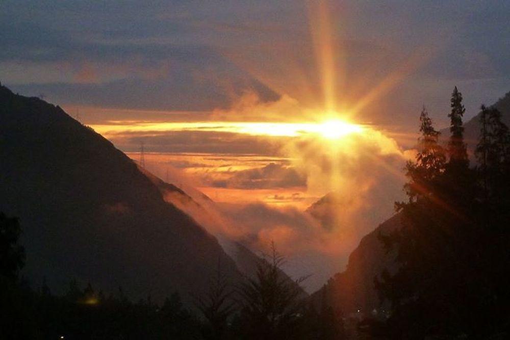 Photo in Random #sun rise #banos #mountains