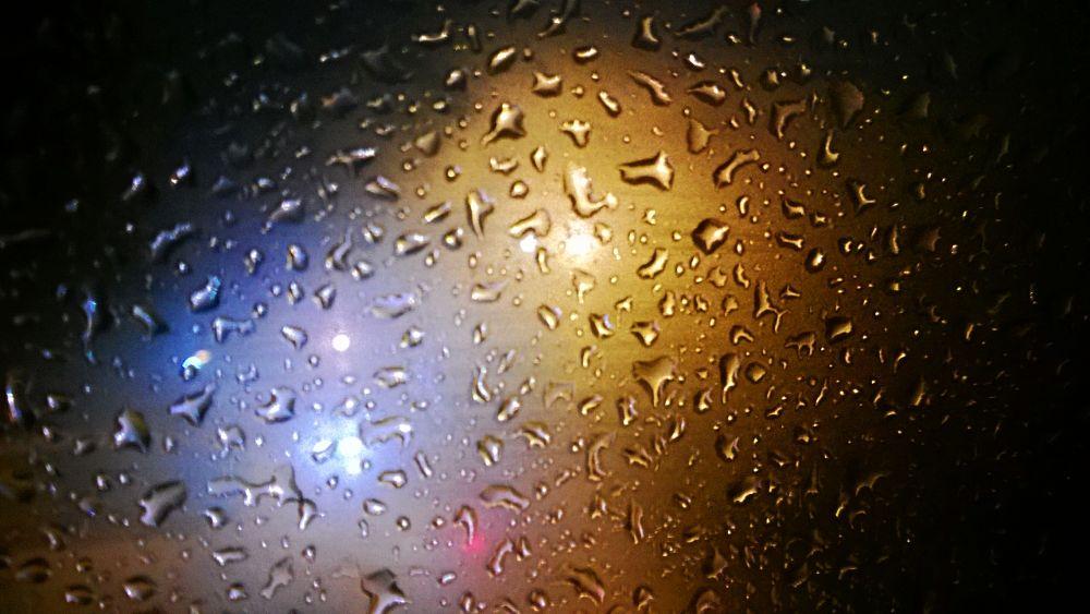rain on window by ahmobayen