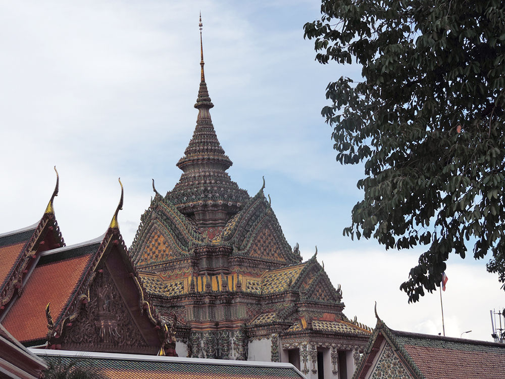 Bangkok Buddha temple 15 by niravr212