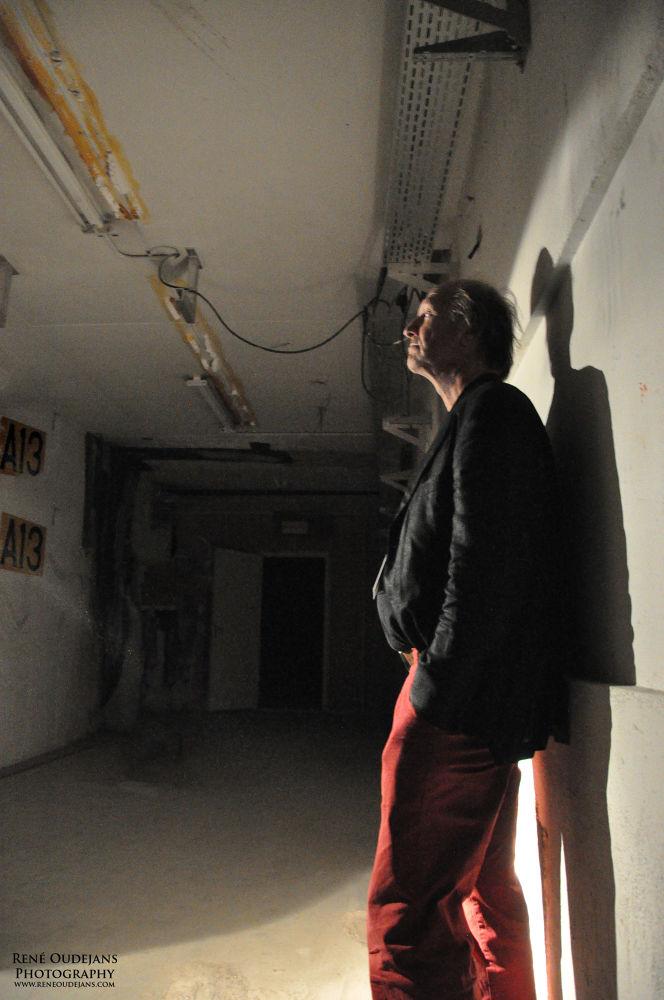 AMS Man in tunnel by Rene Oudejans
