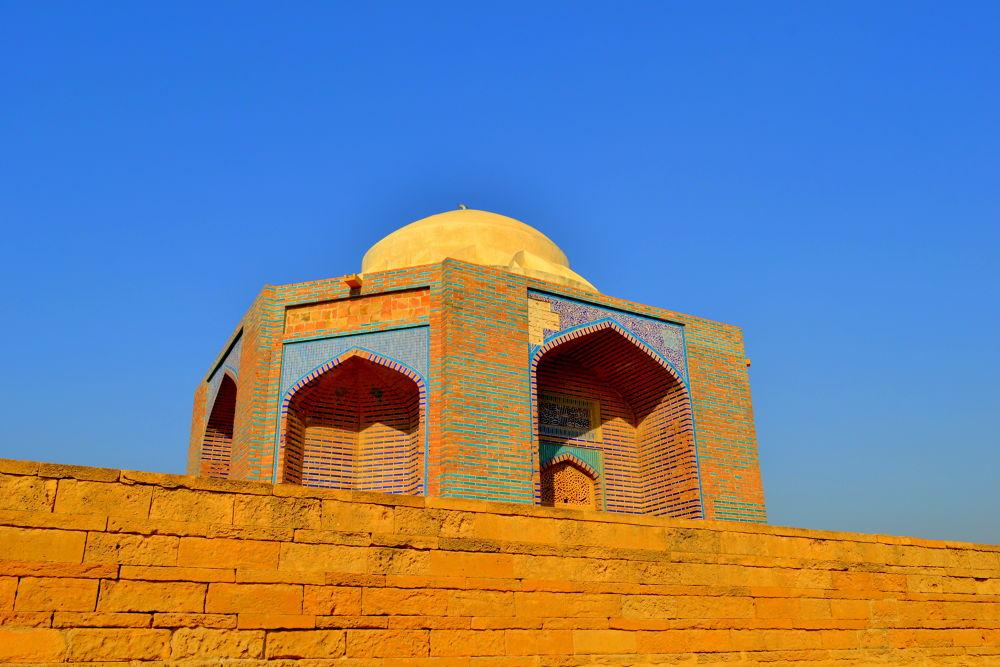 Makli graveyard, Thatta, Pakistan. by Arsalan Zafar