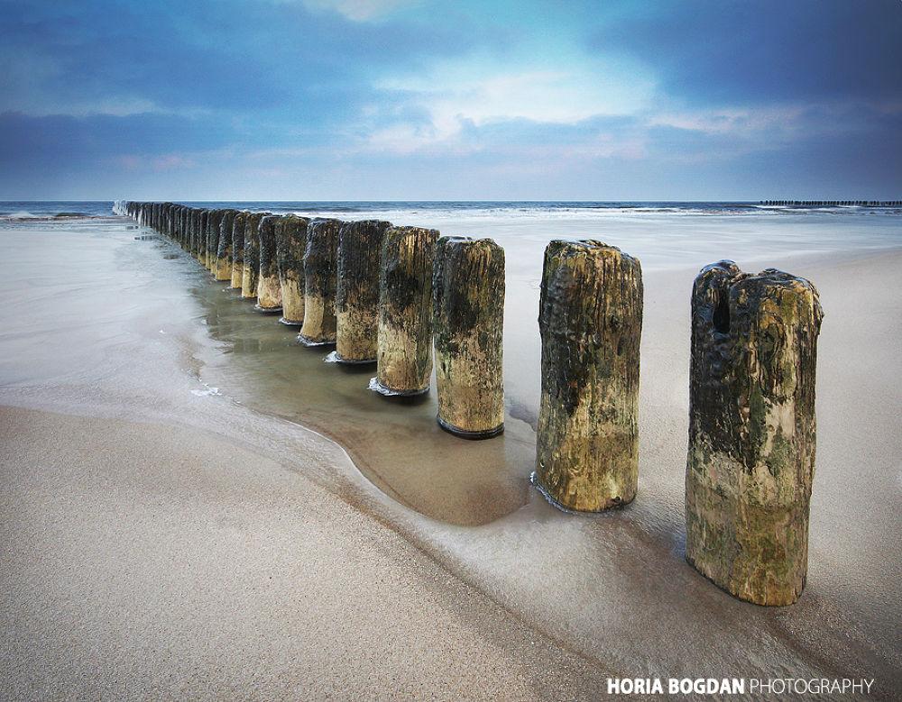 Hel beach in winter by Horia Bogdan