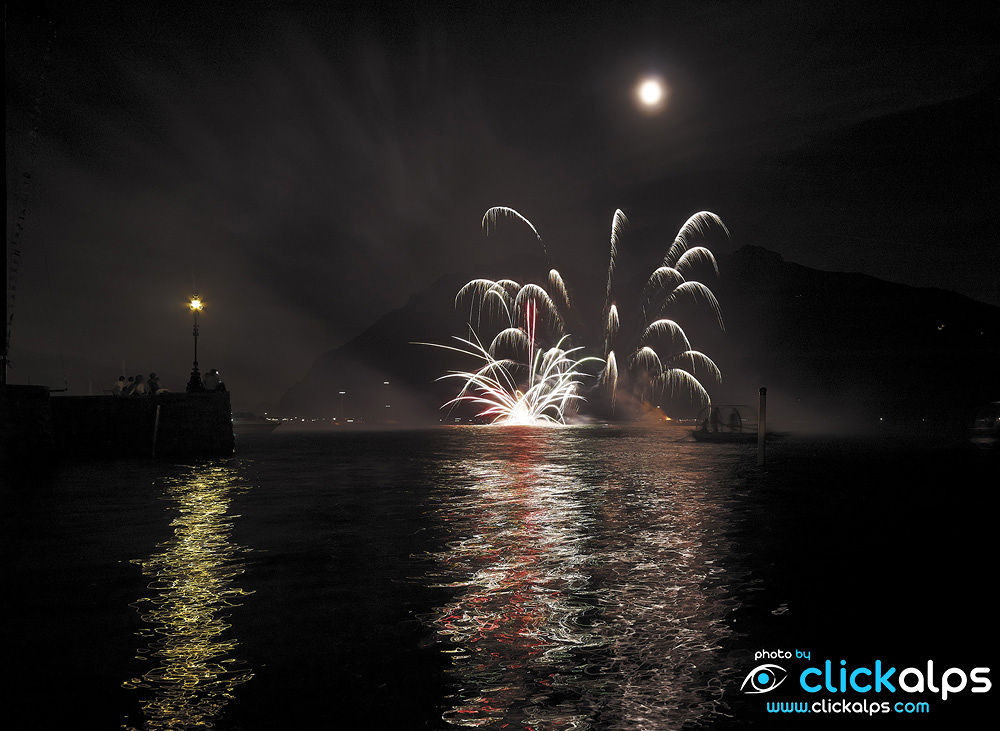 Fireworks at Mandello, Lake Como,Italy ( Alberto Locatelli) by clickalps