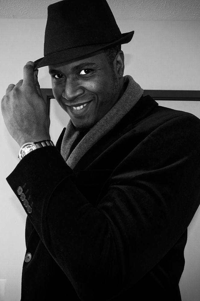 Photo in Portrait #me #model #black and white #bnw #monochrome #achromatic #portrait #ricardo #smile #gq #hat #sombrero #sonrisa #ricardo williams #self portrait #self portraiture #portraiture