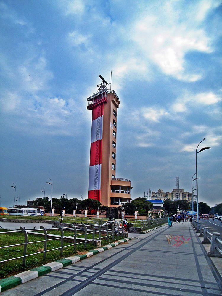 Light House, Chennai, Tamil Nadu, India by saravanayuvaraj