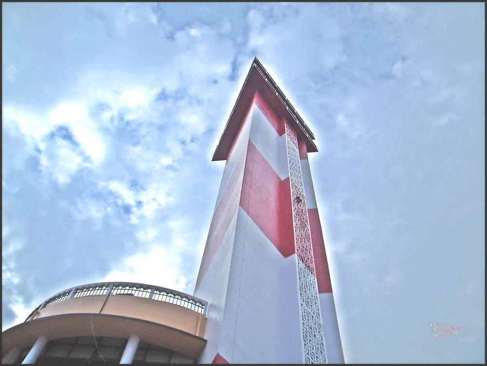 Sky View of Light House, Chennai by saravanayuvaraj